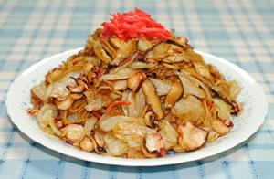大皿で♪たこ入り太麺焼そば☆紅生姜風味☆【マルちゃんで焼そばパーティ#6】