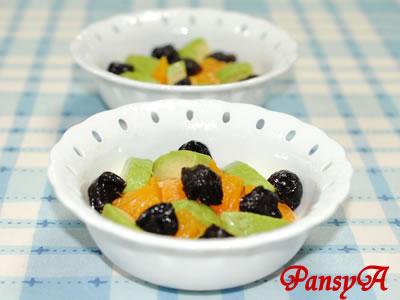 アボカドとポンダリン(デコポン)とプルーンのサラダ【味わいすっきり♪レモンドレッシングで】