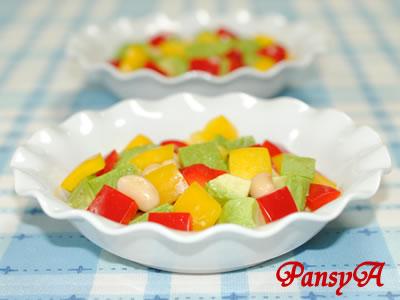 大豆とアボカドとパプリカのサラダ【味わいすっきり♪トマトドレッシングで】