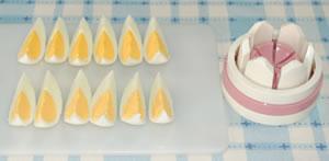 スナップエンドウとキュウリと卵のサラダ☆大葉&ミニトマト添えの作り方